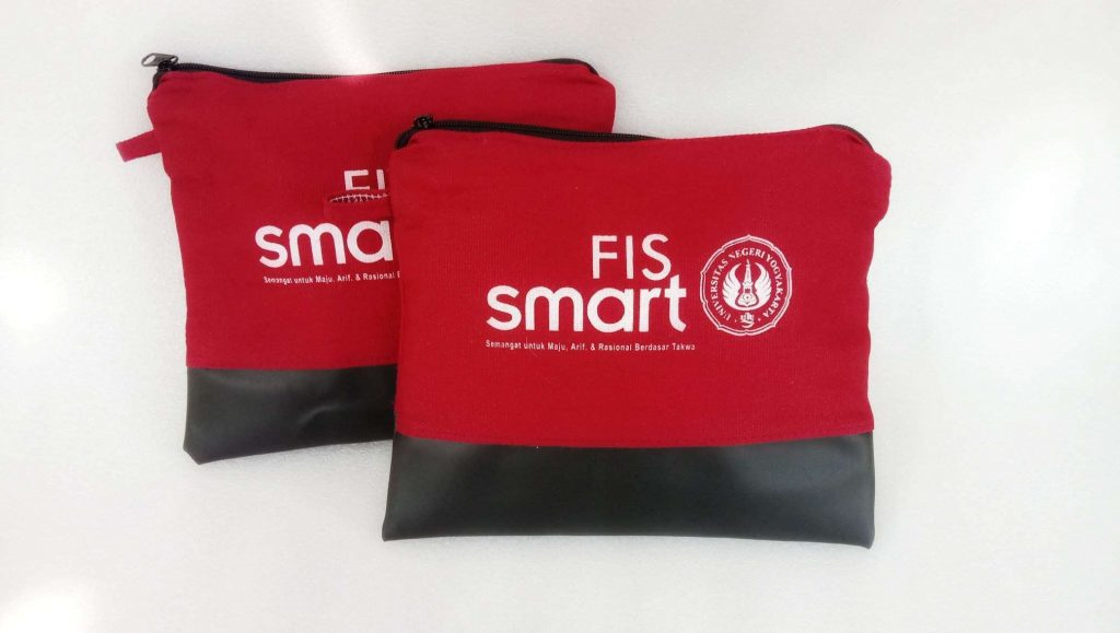 pouch fis uny2